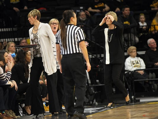 636222725295812862-IOW-0209-Iowa-vs-MSU-wbb-06.jpg