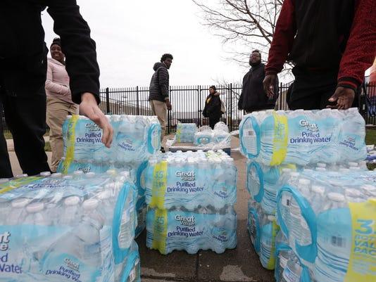 636229278132358090-Flint-Water-CR.jpg