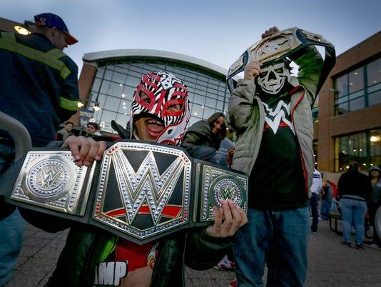 636245129747432361-WWE-mk-16.jpg