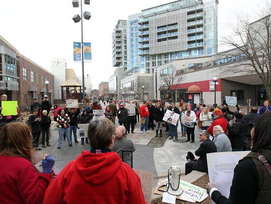 636245953051879494-IOW-0308-Womens-Day-protests-03.jpg