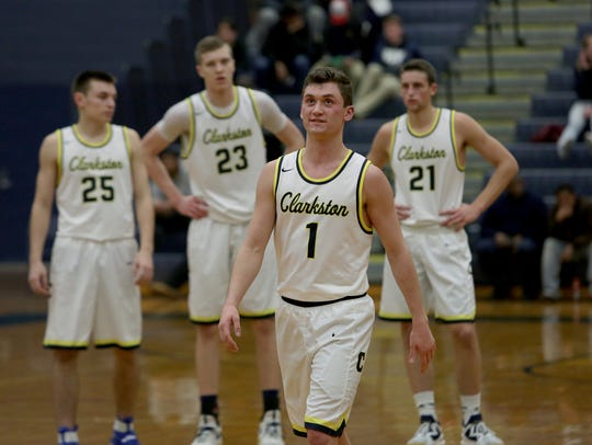 Clakston's Foster Loyer (1) is committed to Michigan