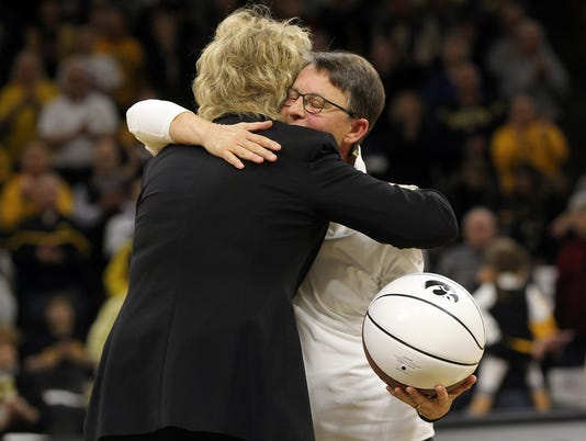 636292624204198368-IOW-0202-Iowa-wbb-vs-Rutgers-14.jpg