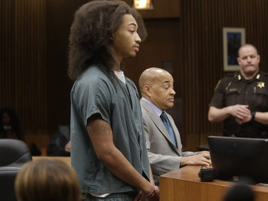 Cass Tech quarterback Jayru Campbell in the Third Circuit Courtroom of Judge Timothy Kenny on Sept. 15, 2014 for violating his probation. Campbell was temporarily represented by Walter Pookrum.