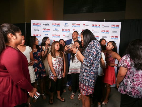 The 2017 Team of the Year, Choctaw Central girls' basketball, meets the Sports Awards celebrity guest, Dak Prescott.