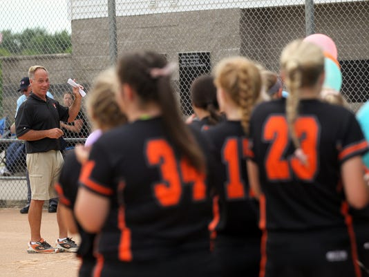 636337587902092588-170622-02-Solon-softball-ds.jpg