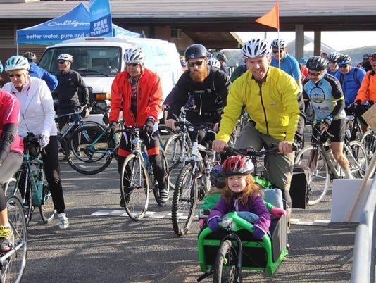 636379687855924665-LHF-Lake-Loop-Cycling-Participants-Get-Ready-To-Roll.jpg