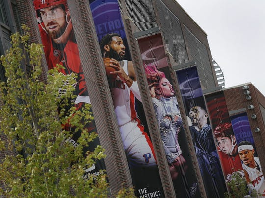 Banners of Red Wings, Pistons and performers adorn