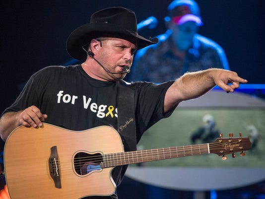 636428411558793347-Garth-Brooks-JRW35.JPG