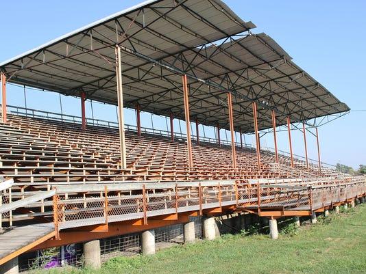 636428909612358264-GATE-Grandstand.jpg