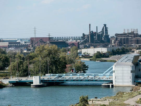 The Fort Street bascule bridge in Detroit with the