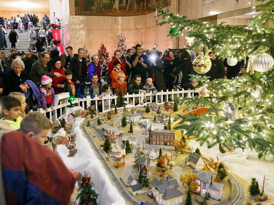 Holidays at the Capitol comes to the Oregon State Capitol from Dec. 4 to 24.