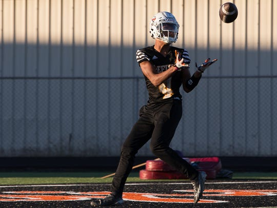 Refugio's Trent Ross during practice on Monday, Nov.