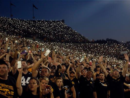 636492859013491208-170923-26-Iowa-vs-Penn-State-football-ds.jpg