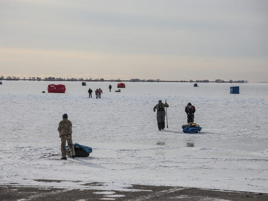 636507548745788215-122817-ice-fishing-rg-11.jpg