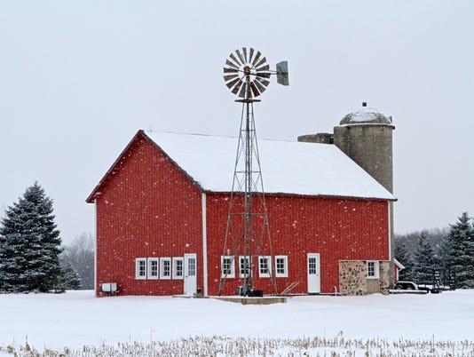WSF 0119 snowy red barn