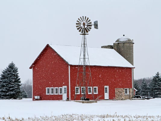 WSF 0119 snowy red barn