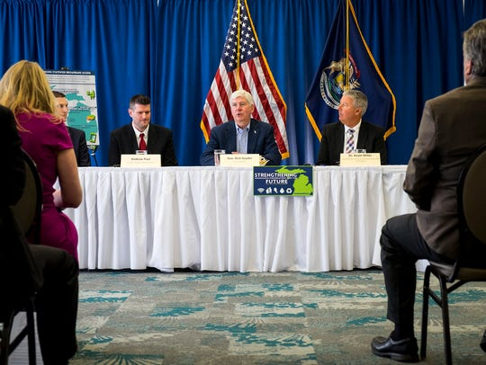 Gov. Rick Snyder speaks at a roundtable discussion