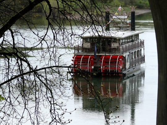 Enjoy dinner and a cruise on the Willamette Queen on Valentine's Day.