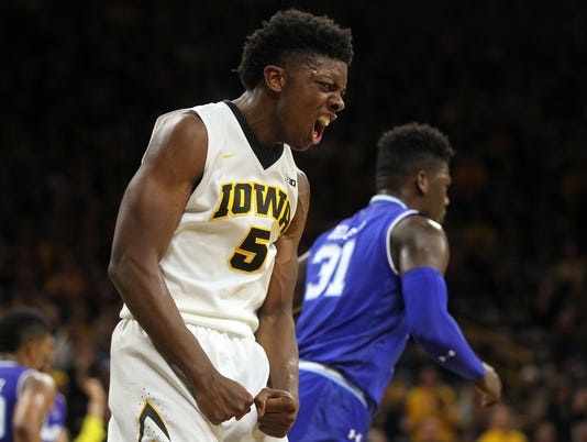 636562043306926143-IOW-1117-Iowa-vs-Seton-Hall-13.jpg