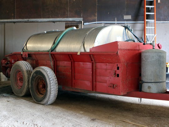 A spreader is converted to a sap collecting vehicle