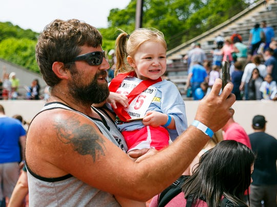 Ryan Ramey takes a selfie with daughter Gracie after