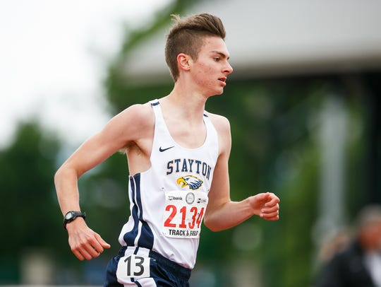 Stayton's Ben Kirby competes in the 4A boys 1500 meter