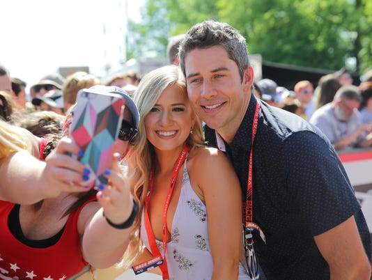 Indy 500: Celebrities arrive on the red carpet
