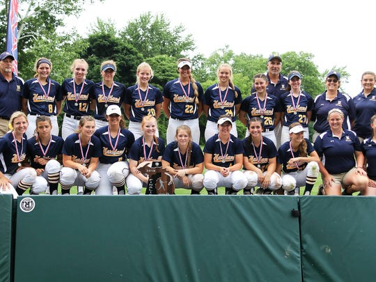 Hartland's poses with the runner-up trophy following