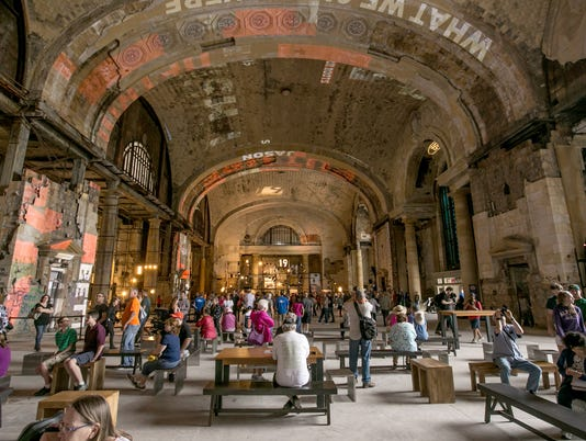 636652987362435890-michigan-central-tours-10.jpg