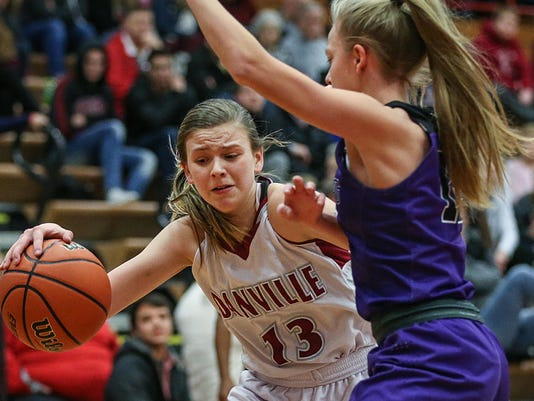 636673633640846567-0105-hs-girls-bball-Brownsburg-at-Danville-JRW10.JPG