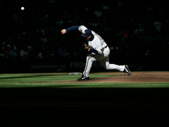 Milwaukee Brewers' Trevor Hoffman makes his final appearance