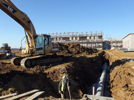 Construction continues at the site of Archibald Alexander Elementary on Friday, Nov. 14, 2014.  David Scrivner / Iowa City Press-Citizen