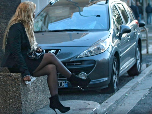 Prostitution: France wants to punish clients