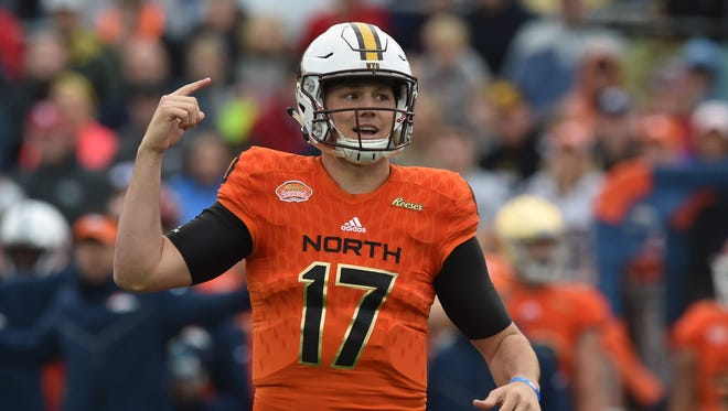 North Squad quarterback Josh Allen of Wyoming (17) signals during the first quarter of the 2018 Senior Bowl against the South Squad at Ladd-Peebles Stadium.