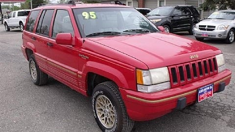 Toms River police are looking for a red Jeep Cherokee with severe passenger-side damage. Officer Ralph Stocco released a photo of a similar vehicle for the public, asking them to report any sightings.