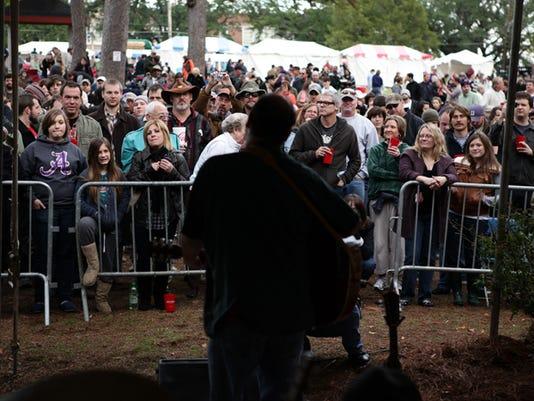 635733530235705687-Highland-Jazz-and-Blues-Festival