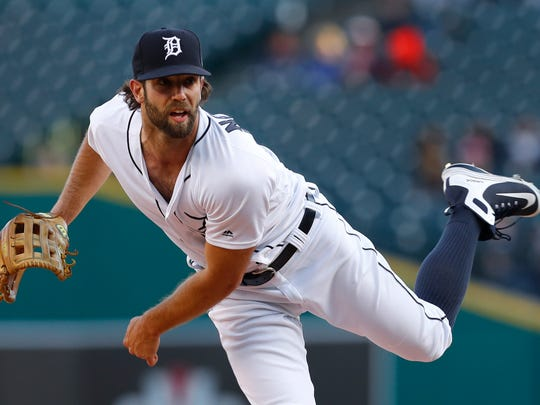 Detroit Tigers pitcher Daniel Norris throws against