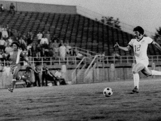 The Rochester Lancers' Eli Durante outraces a Denver defender in this 1974 file photo.