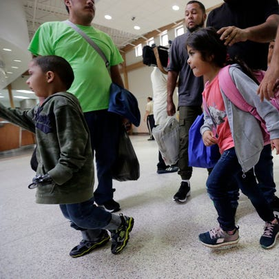 A group of immigrants from Honduras and Guatemala seeking