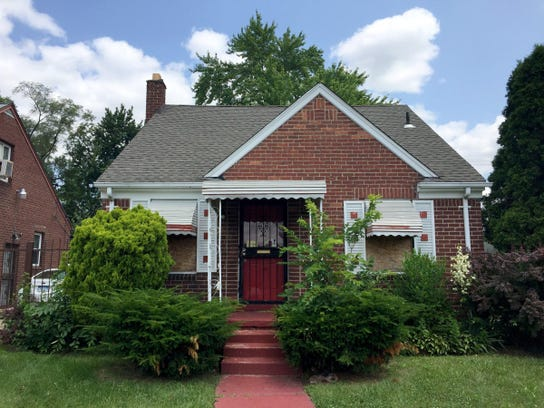 An investor paid $56,750 for this Detroit home in 2013,