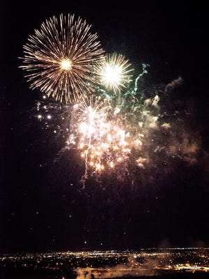Alamogordo's Fireworks Extravaganza went off without a glitch at the New Mexico Museum of Space History Friday.