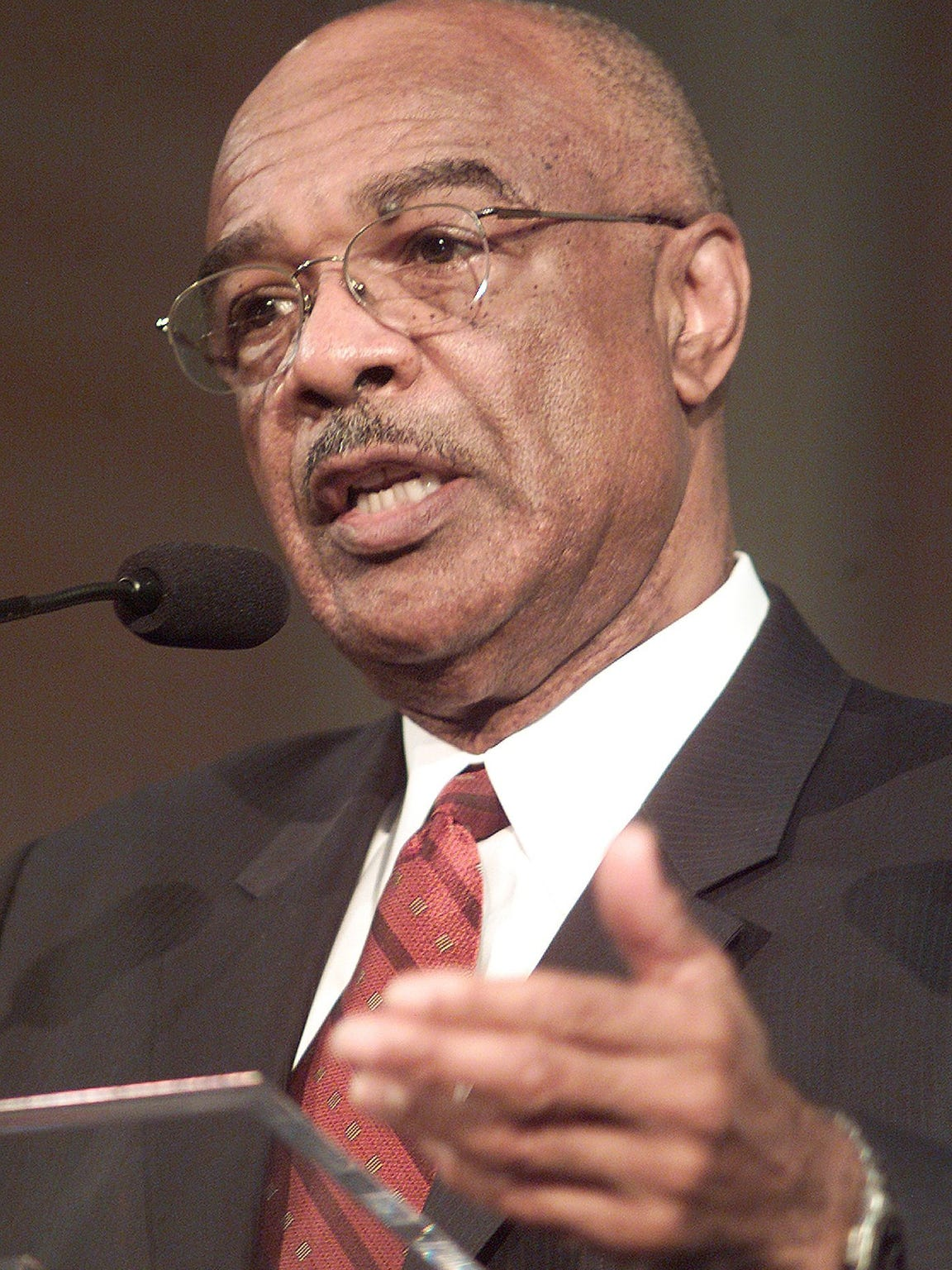Rod Paige, former U. S. secretary of education, posted a 25-19 record as JSU's head coach and hired Bob Hill and W.C. Gorden as assistants during his tenure.
