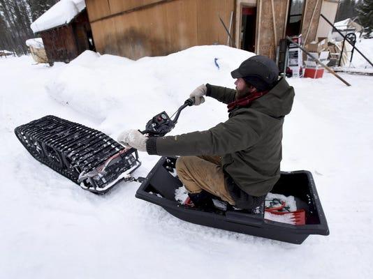 Snow Track_Thom