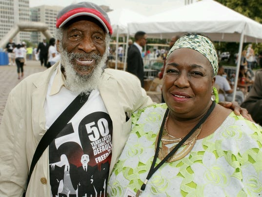 636390267743125072-Dick-Gregory-and-JoAnn-Watson-by-Fred-Murray-Jr..jpg