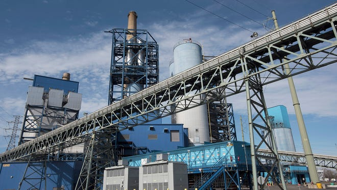 The PSEG power plant in Jersey City, which has cut mercury emissions because of a state law.