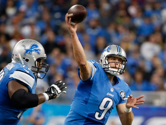 Matthew Stafford of the Detroit Lions throws a second quarter pass against the Chicago Bears at Ford Field on October 18, 2015.