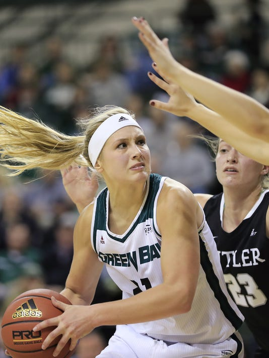 636428840700528864-GPG-UWGB-Women-s-Basketball-122016-ABW442.jpg