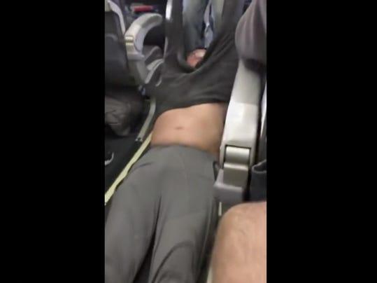 United Passenger Removed (2)