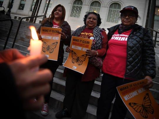 Activistas en California defienden las ciudades santuario.