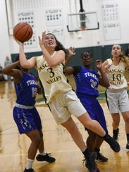 Pascack Valley's Kelly Smith helped her team down Rumson-Fair Haven on Friday.